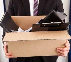 متى يحق لصاحب العمل أن يفصلك عبر الهاتف أو البريد الإلكتروني؟